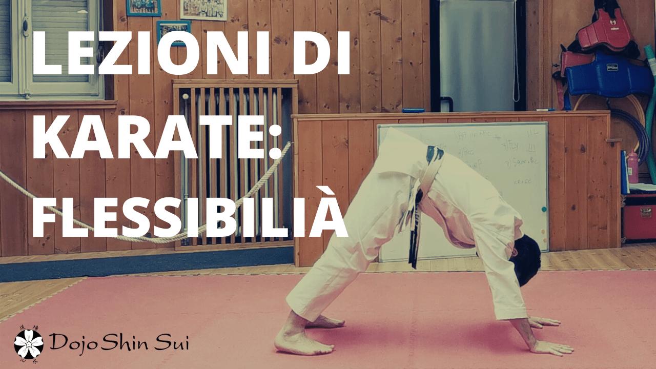 Lezioni di karate: esercizi di flessibilità